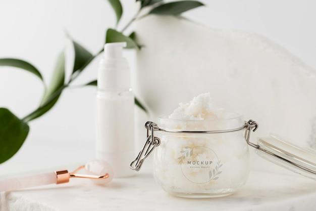 Hautpflege-sheabutter im glasmodell