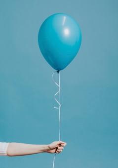 Heliumballon an einer schnur