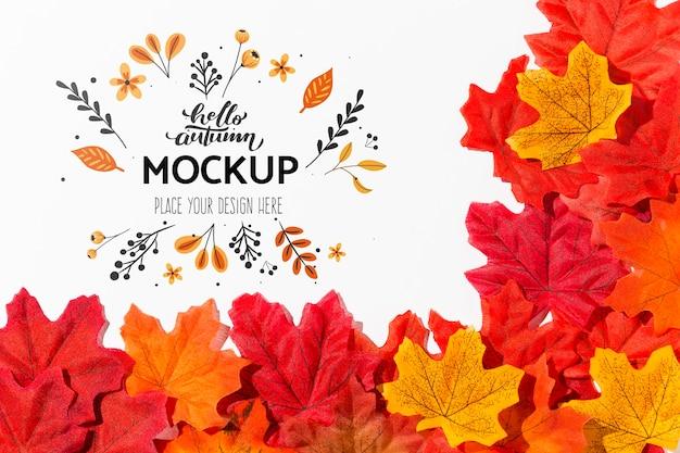 Herbstliche bunte blattanordnung