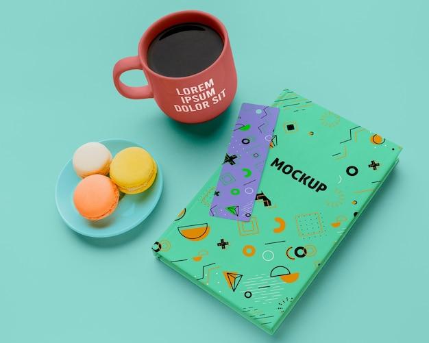 High angle book mit macarons