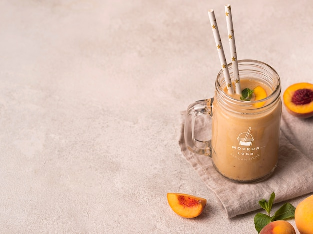 High view pfirsiche smoothie gesundes getränk