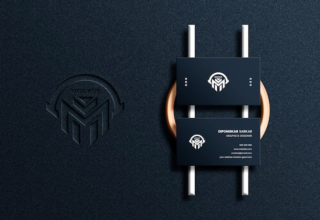 Horizontale visitenkarte der draufsicht luxus mit geprägtem logo-modell