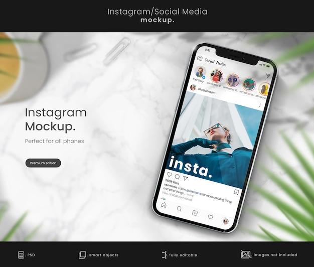 Instagram-post-mockup zur sammlung von smartphones