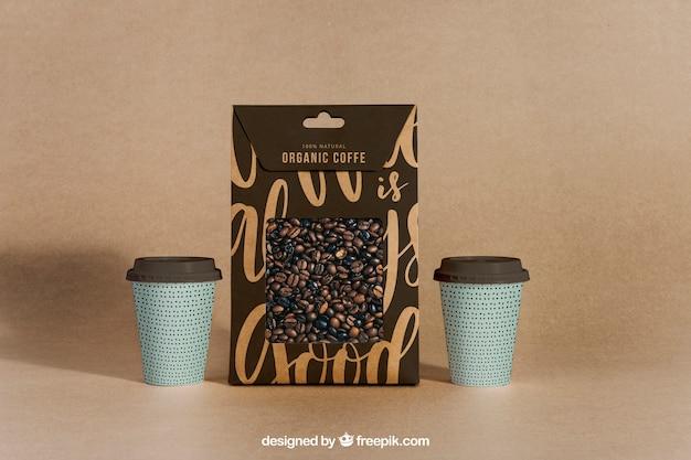 Kaffee-modell mit zwei tassen und tasche