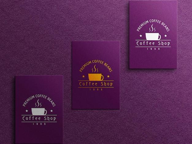 Kaffee-visitenkarten-logo-mockup mit präge- und prägeeffekt
