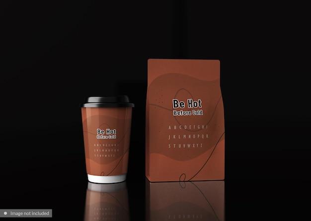 Kaffeebeutel mit tasse