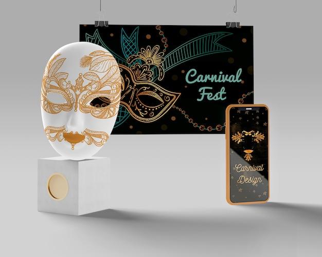 Karnevalsfest maske und handy