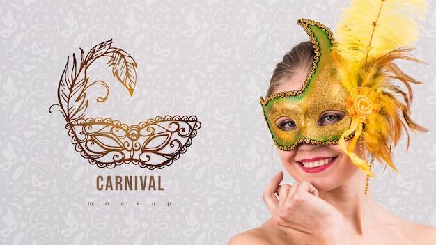 Karnevalsmodell mit bild der frau