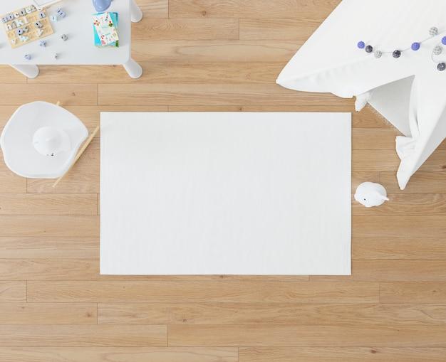 Kinderzimmer mit weißem teppich und tipi
