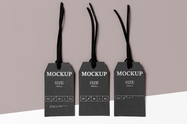 Kleidung schwarz größe tag mock-up draufsicht