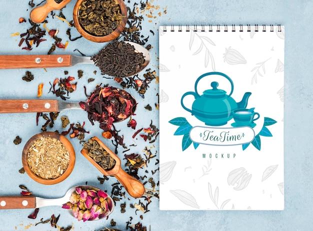 Köstliches aromatisches tee-konzeptmodell