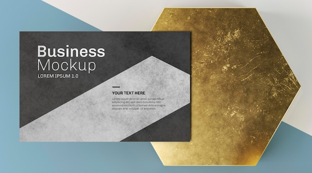 Kopieren sie raum visitenkarte und abstrakte goldene form