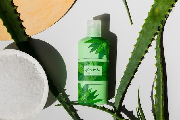 Kosmetische flasche mit aloe vera