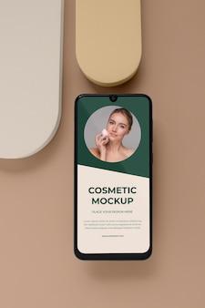 Kosmetisches gerätemodell im studio