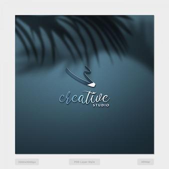 Kreatives logo mit zweig