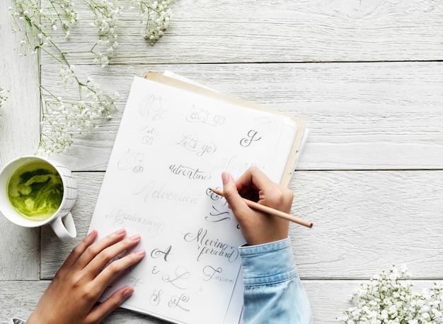Künstler, der inspirierende texte der weinleseklischee entwirft