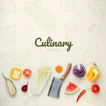 Kulinarischer schriftzug mit kritzeleien und gemüse