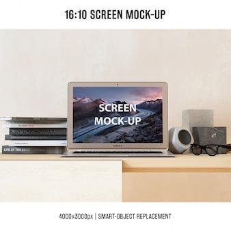 Laptop mock-up-design