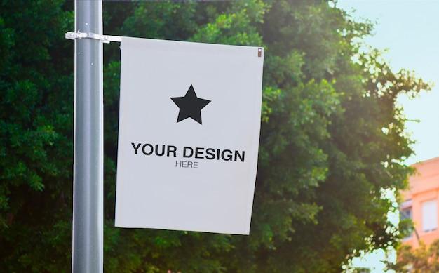 Laternenpfahl banner modell mit baum