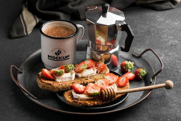 Leckeres frühstück mit kaffee