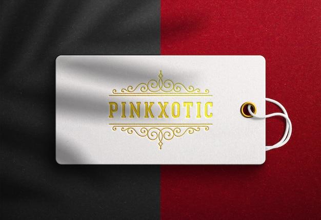 Logo mockup auf luxus hang tag