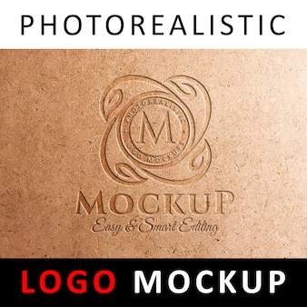 Logo mockup - prägung des logos auf der kraft card