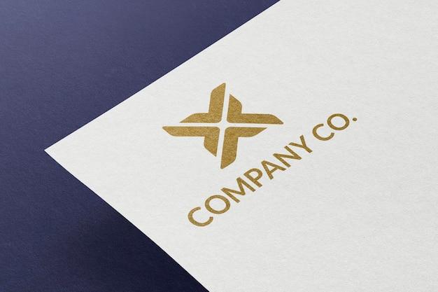Logo-mockup-psd auf briefkopf mit corporate identity branding