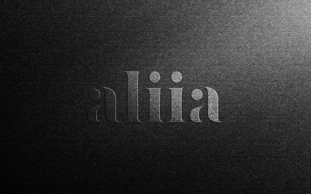 Logo-modell auf schwarzem stoff