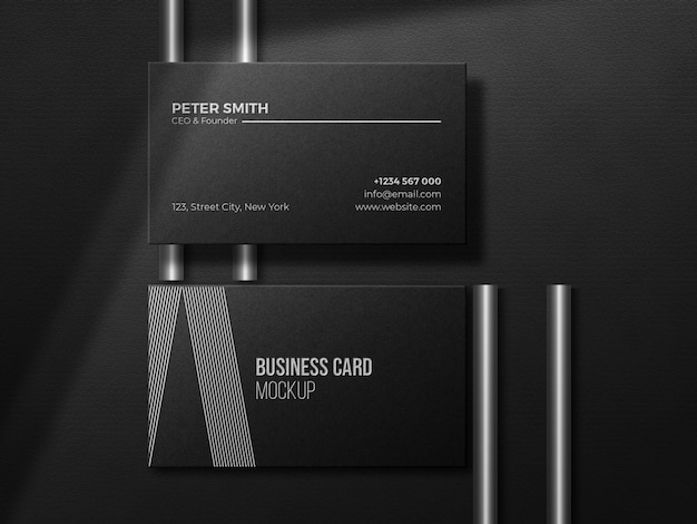 Luxuriöses dunkles visitenkartenmodell mit silbernem prägeeffekt