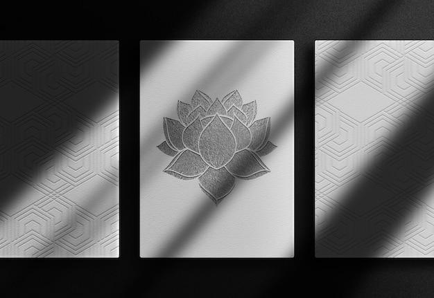 Luxuriöses lotusschwarzes geprägtes papier draufsichtmodell