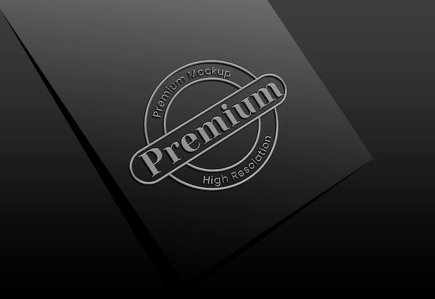 Luxus-logo-modell auf schwarzem stoff