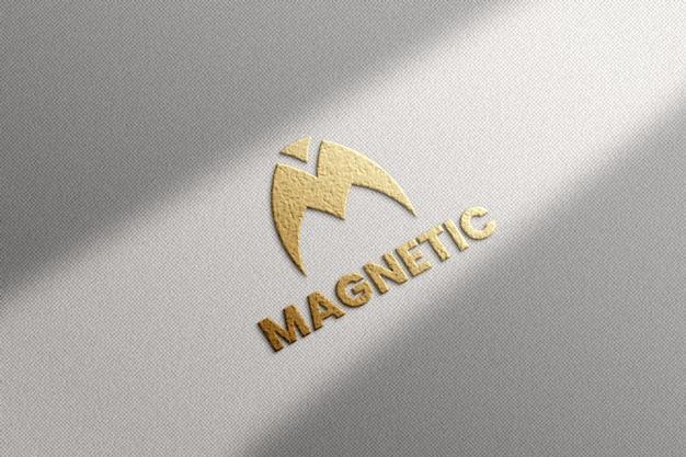 Luxus-logo-modell auf strukturiertem hintergrund