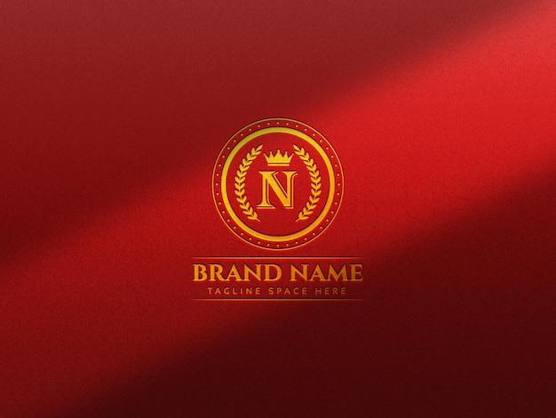 Luxus-logo-modell auf texturhintergrund
