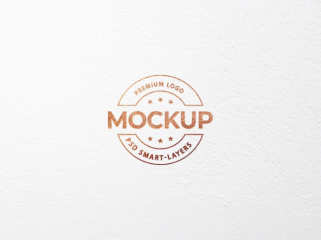 Luxus-logo-modell auf weißem bastelpapier