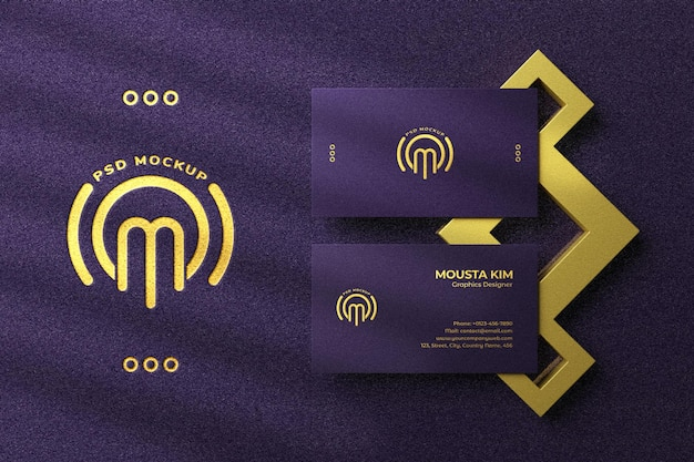 Luxus-visitenkarte mit goldenem folienlogo-modell