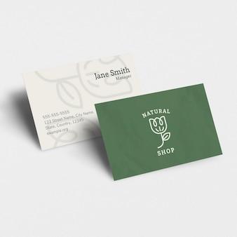 Luxus-visitenkarten-mockup-psd in rosaton mit vorder- und rückseite