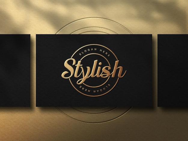 Luxus-visitenkartenmodell mit goldbuchstabeneffekt