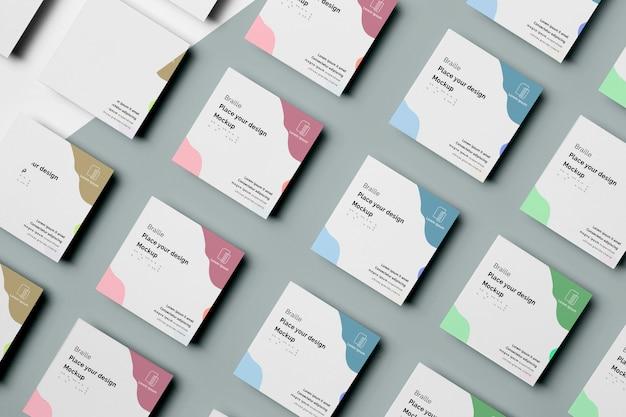 Mehrere visitenkarten mit braille-design
