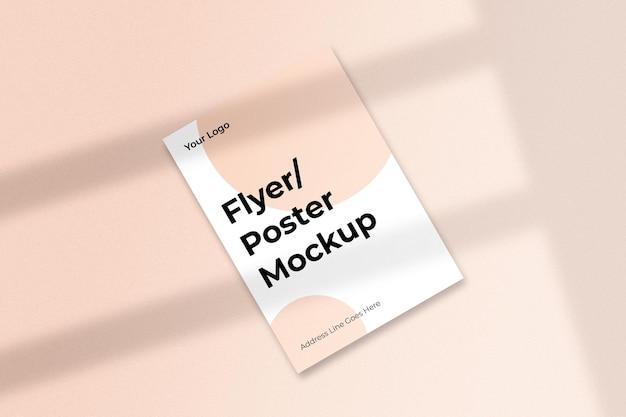 Minimales flyer-mockup-design mit schatten