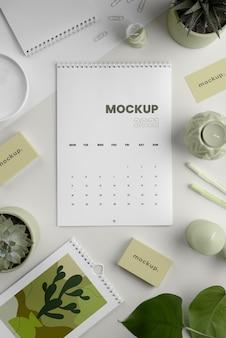Minimalistische mock-up-kalenderanordnung