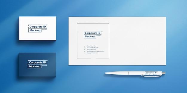 Minimalistisches briefpapier-mockup-set mit visitenkarten, umschlag und stift-4k-auflösung