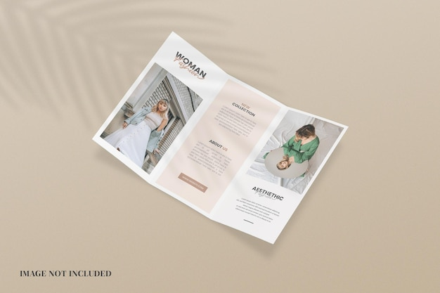 Minimalistisches, dreifach gefaltetes broschürenmodell