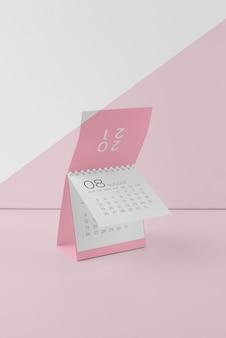 Minimalistisches modell-kalendersortiment