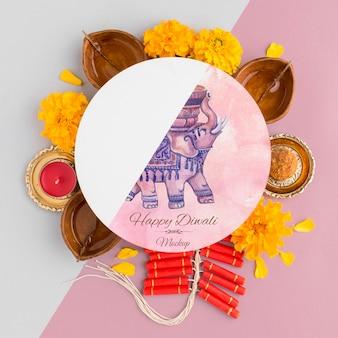 Mock-up diwali hindu festival blumen und kerzen
