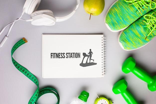 Mock-up mit fitnessgeräten