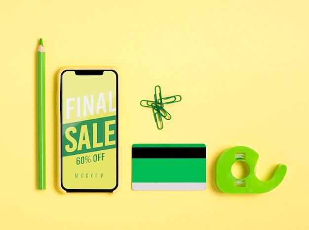 Mock-up-shopping-tools auf dem schreibtisch