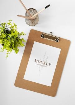 Mock-up-sortiment für schreibwaren aus naturmaterial