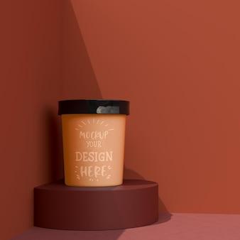 Mockup cup eis. verpackungsschablonenmodell für eis, joghurt, pudding, snack, süßigkeiten, nachtisch
