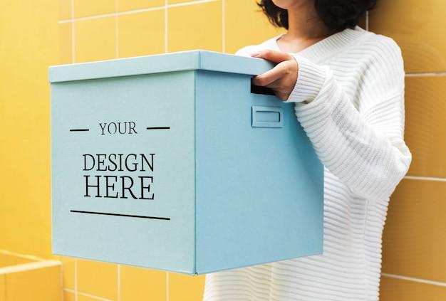 Mockup design space auf papierbox