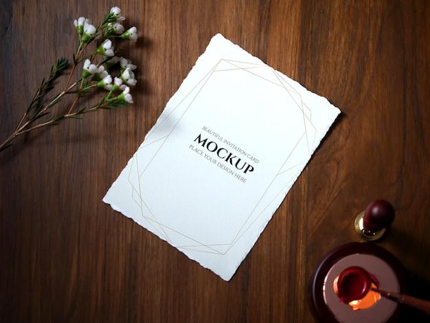 Mockup-einladungskarte zur begrüßung der hochzeitseinladung
